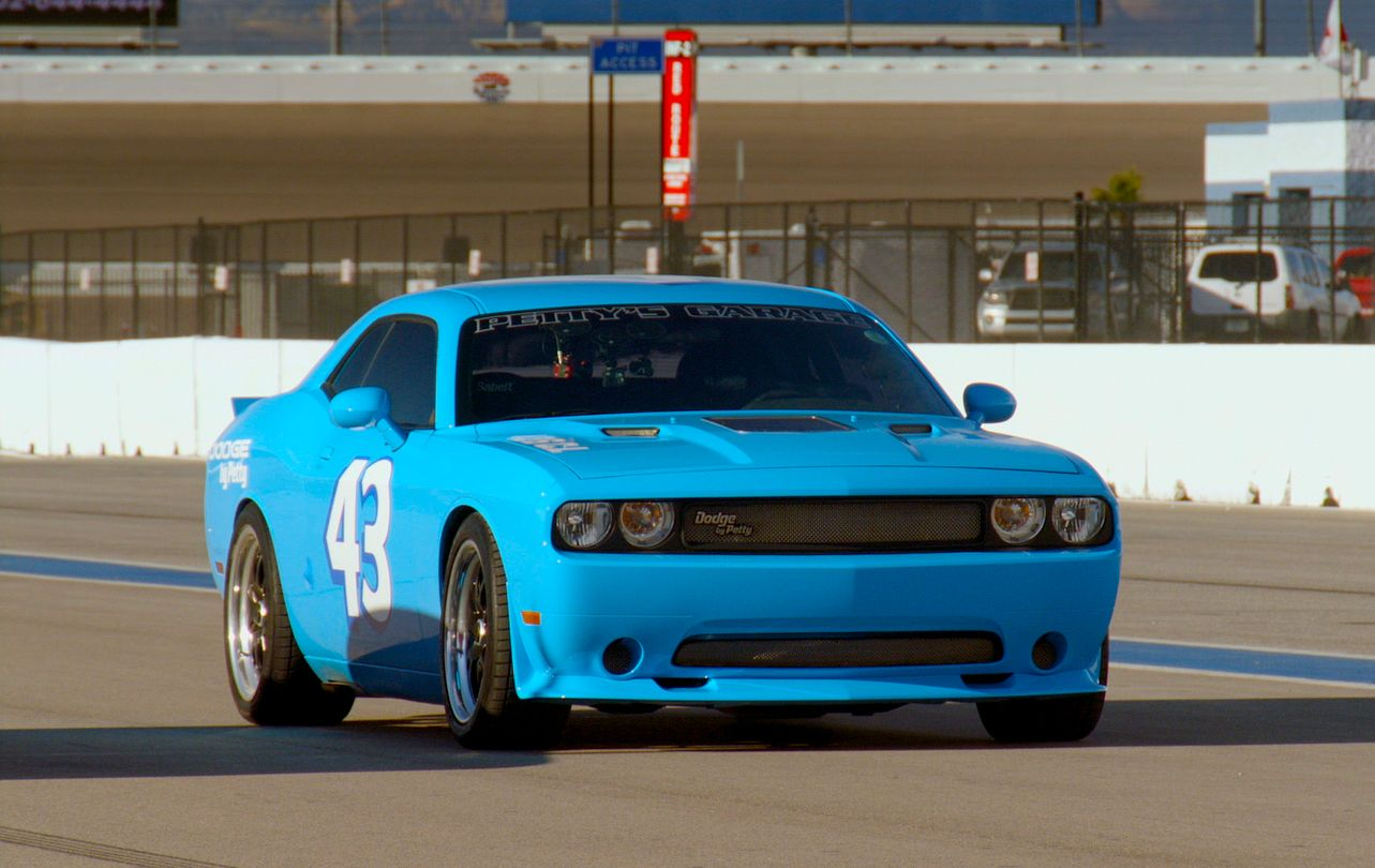 the latest top gear episode tests the 1000hp supercharged 426ci petty dodge challenger on. Black Bedroom Furniture Sets. Home Design Ideas