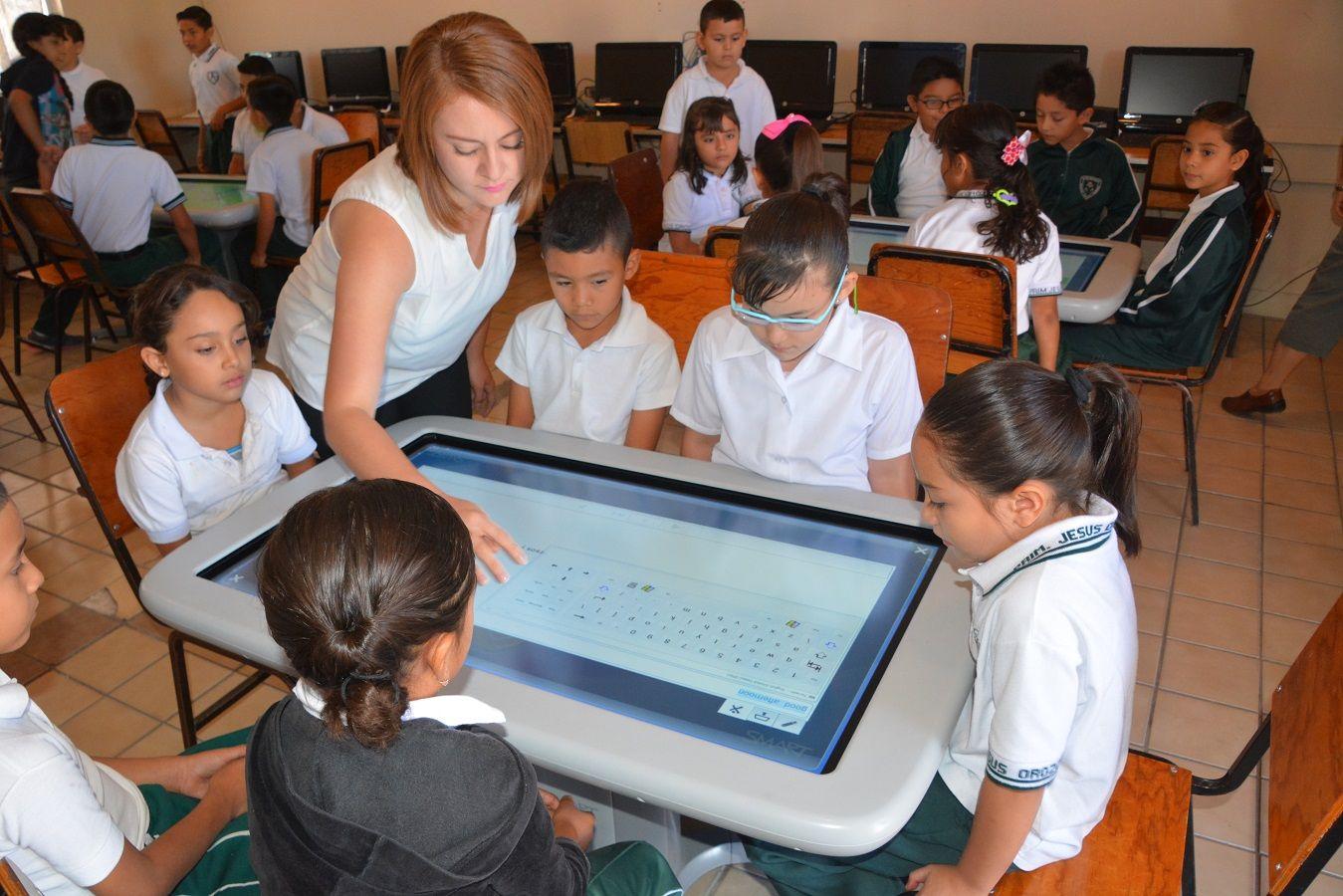 Se brinda atención a más de 360 mil estudiantes a través del programa nacional de inglés.  #GobiernoTransversal #GobiernodeChihuahua #Chihuahuamx #Cuu