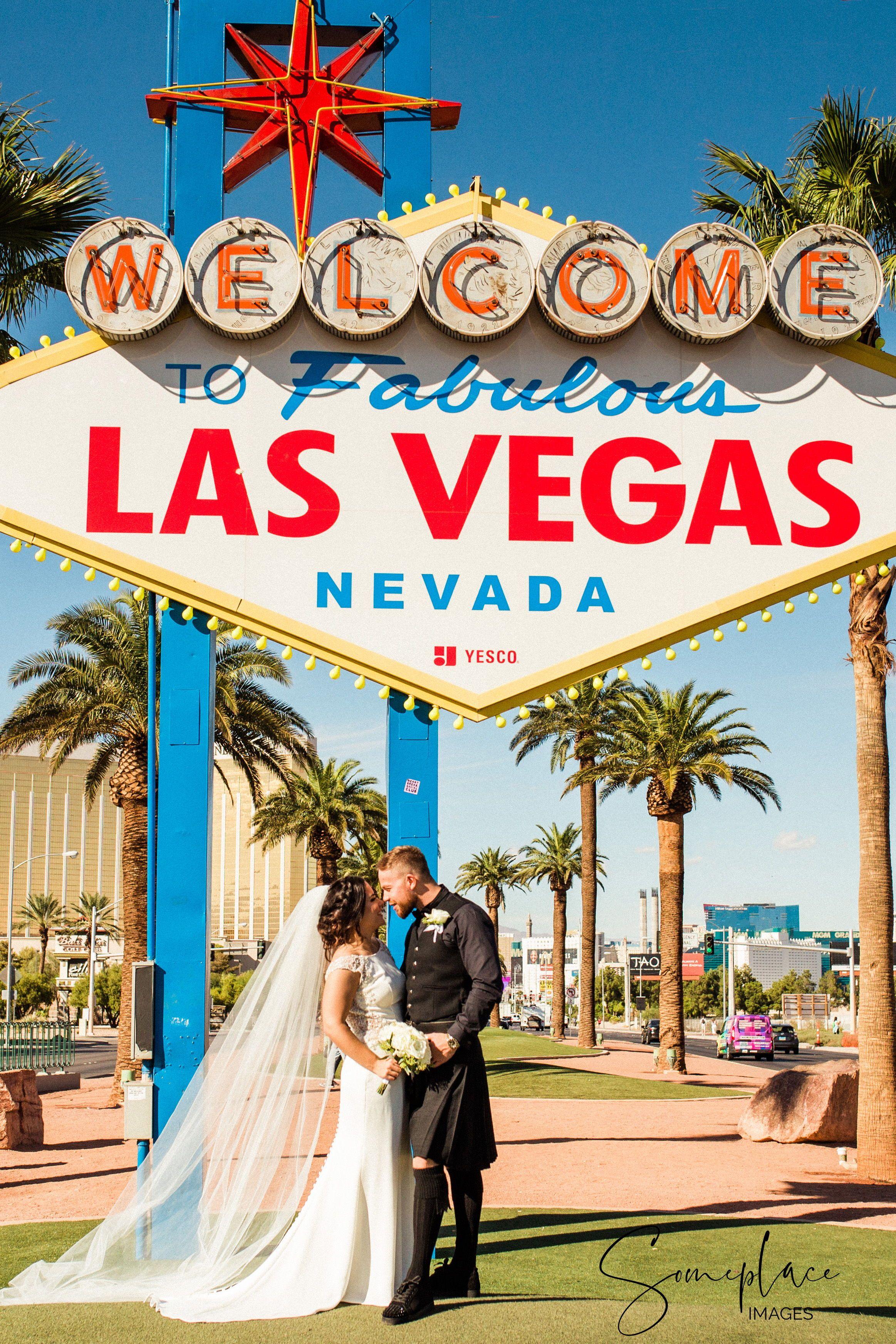 Las Vegas Destination Wedding With Bride And Groom At Las Vegas Sign Getting Marr Vegas Wedding Photos Las Vegas Wedding Planner Las Vegas Wedding Inspiration
