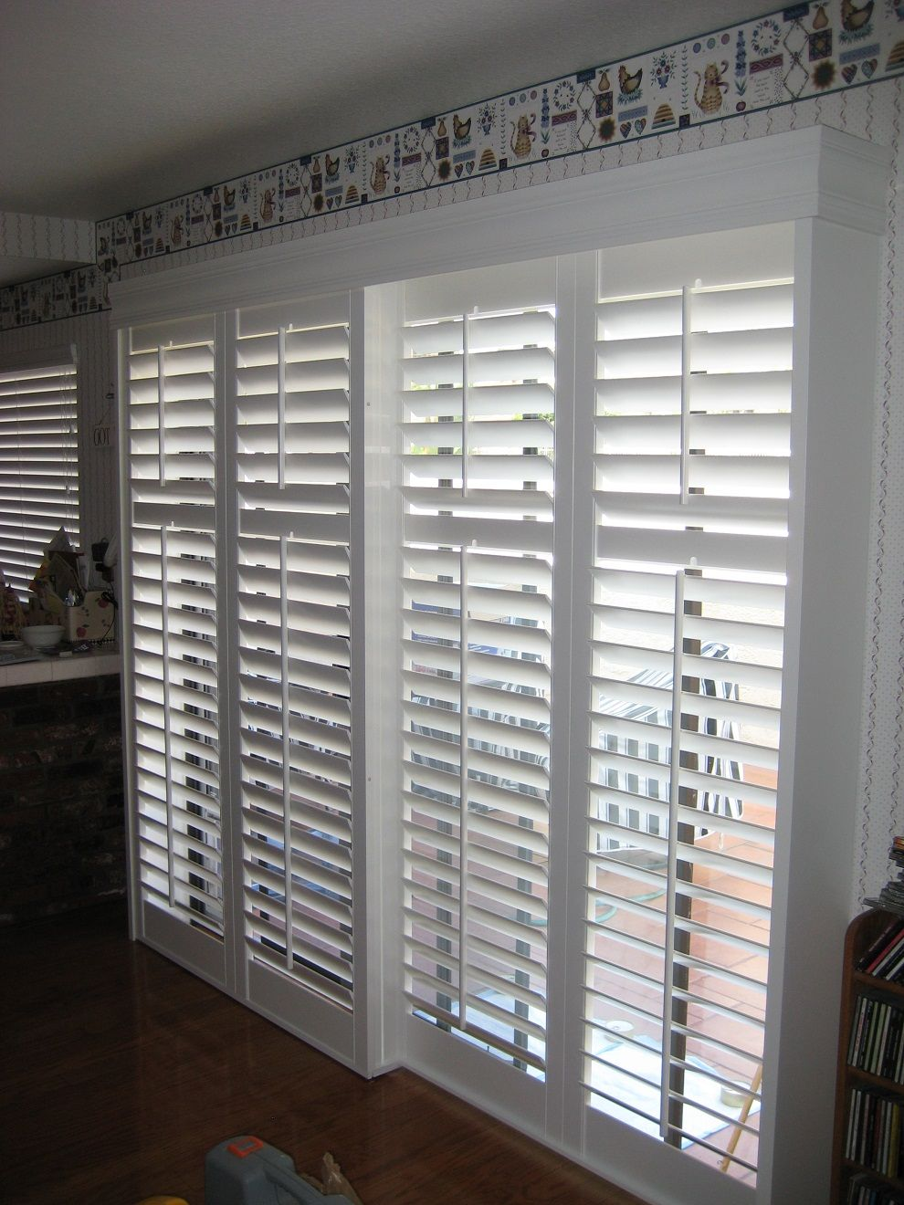 Blinds for sliding glass doors with white color house interior