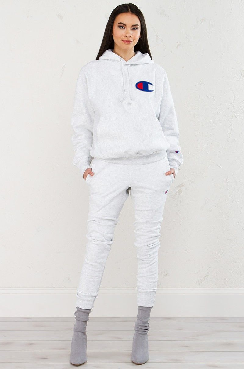 Champion Jogger In Grey Champion Clothing Hoody Outfits Sweat Suits Women [ 1209 x 800 Pixel ]