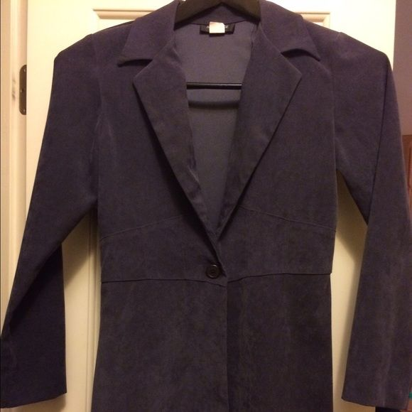 Charcoal gray long faux suede coat w/tapered waist Super slenderizing, very feminine for hourglass shapes. Beautiful waistbelt detail. Very soft and rich looking Alyn Paige Jackets & Coats Trench Coats