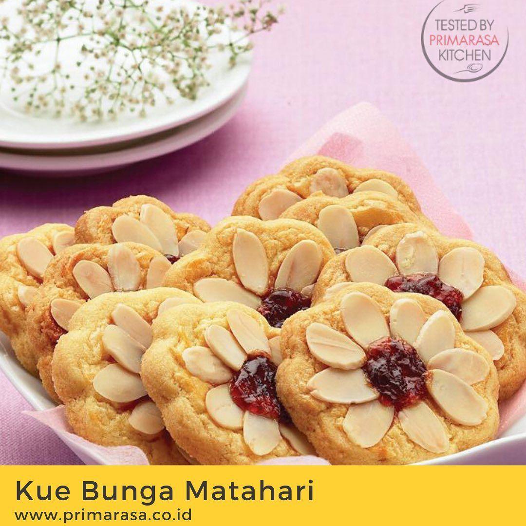Kue Kering Ini Nggak Kaah Hits Dengan Kue Kering Lebaran Lainnya Tampak Cantik Dengan Potongan Almond Yang Disusun Di Atasn Resep Biskuit Kue Bunga Kue Kering