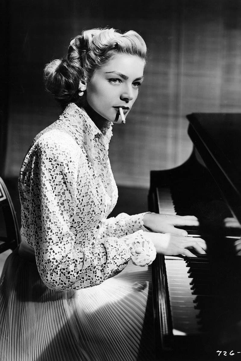 In Photos: Lauren Bacall's Effortless Glamor | Lauren ... Lauren Bacall Young