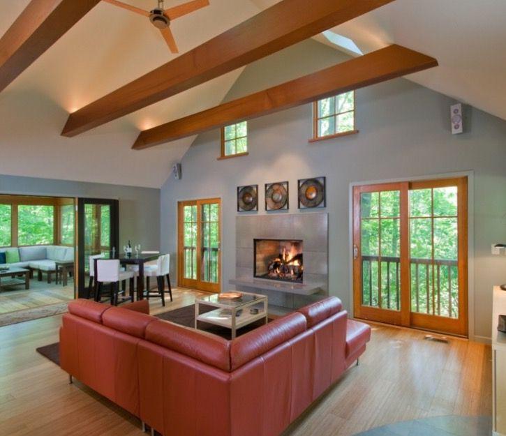 Indirektes Licht Auf Dem Balken Nach Oben Strahlend Beleuchtung Wohnzimmer Decke Bauernhaus Wohnzimmer Wohnzimmerlampe Decke