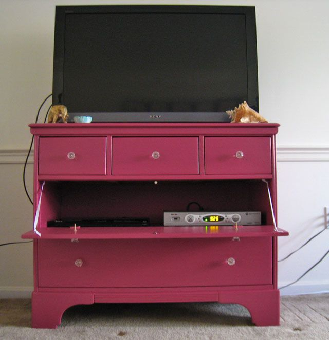 Savvy Young Something: Our TV Console Gets an Upgrade