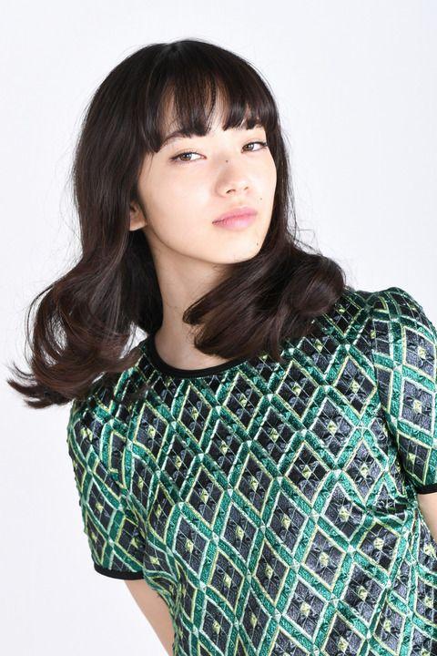 彼女がキレイな理由:小松菜奈さん 「原色のはっきりした色が好き」 1年で服の傾向ががらりと変わる - 写真詳細 (6枚目/全6枚) - 毎日キレイ