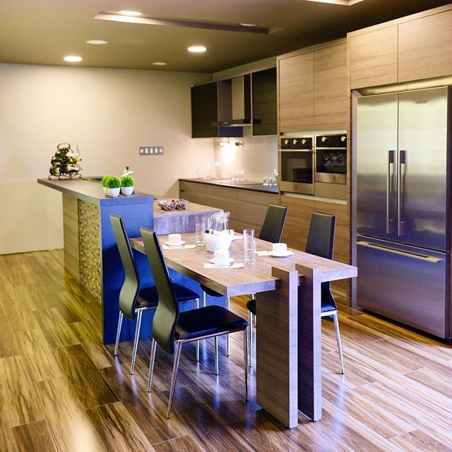 Buy Best Quality Stainless Steel Pvc Aluminum Kitchen Cabinets From Top Brands In Nagpur At Affordable Price Interior Decorating Kitchen Kitchen Floor Plans