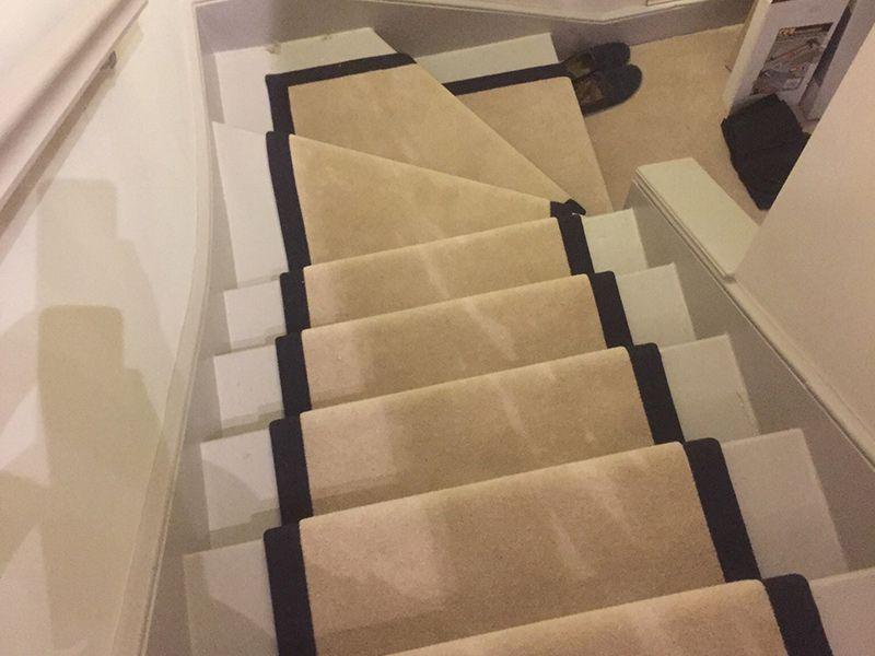 Best Stairs Beige Carpet Beige Carpet Bedroom Stairs 400 x 300