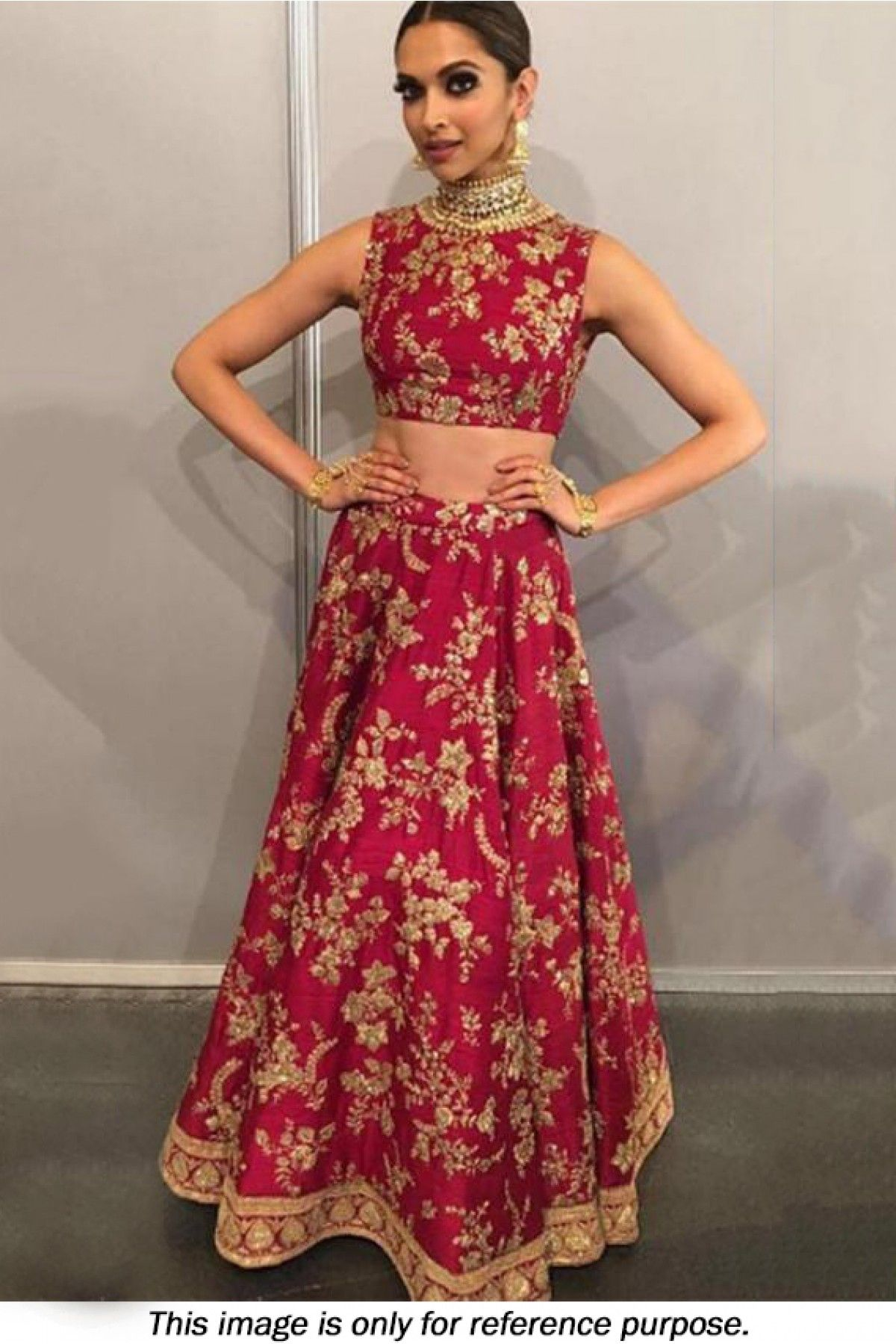 eb1edd3d31 Bollywood celebrities have given a new dimension to the Indian Lehenga  giving a whole new range of variety to shoppers. Lehenga worn by Bollywood  ...