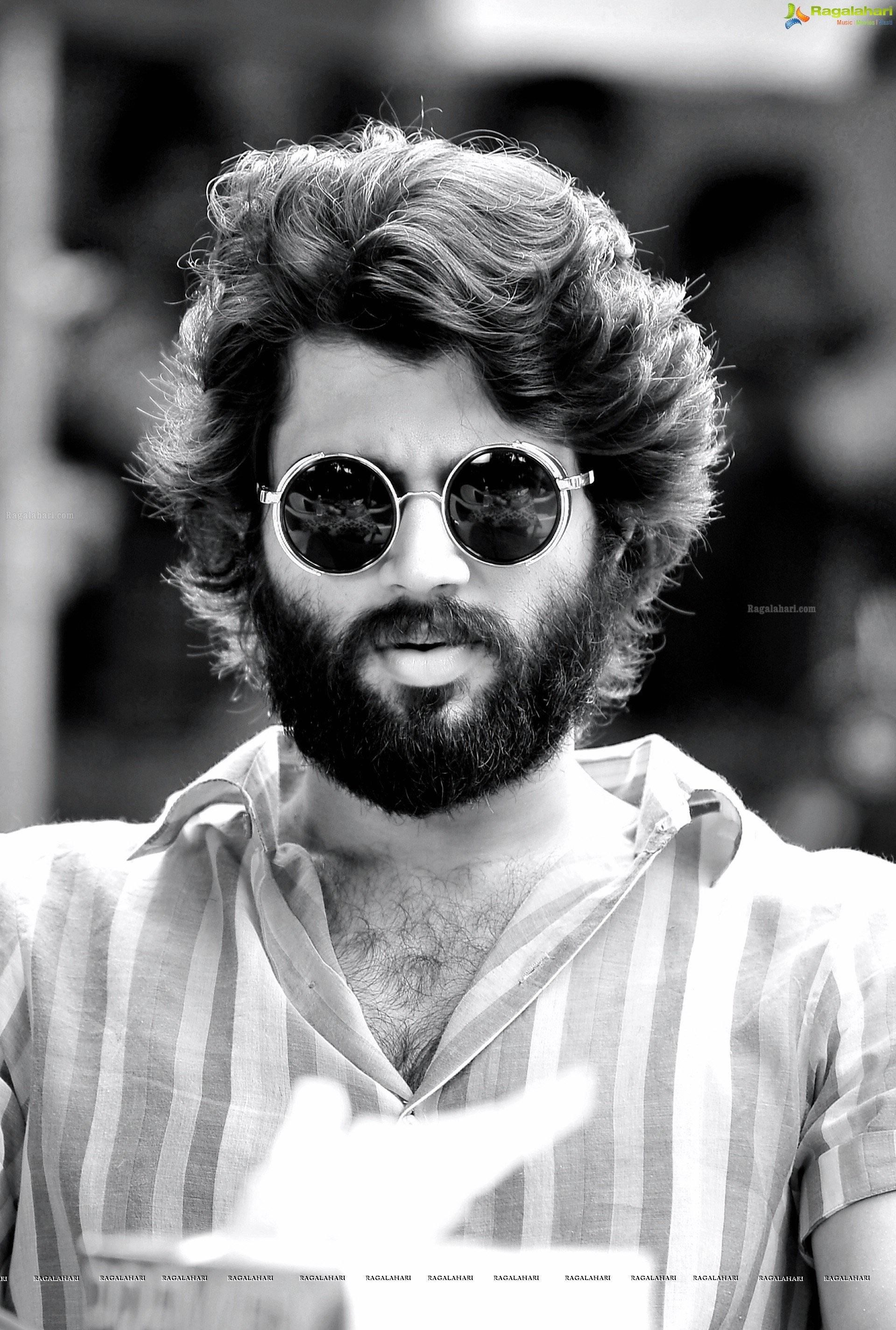 How To Style My Hair Like This What Length And Type Should My Hair Be And How Long Would It Take Me Http If Vijay Devarakonda Vijay Actor Galaxy Pictures