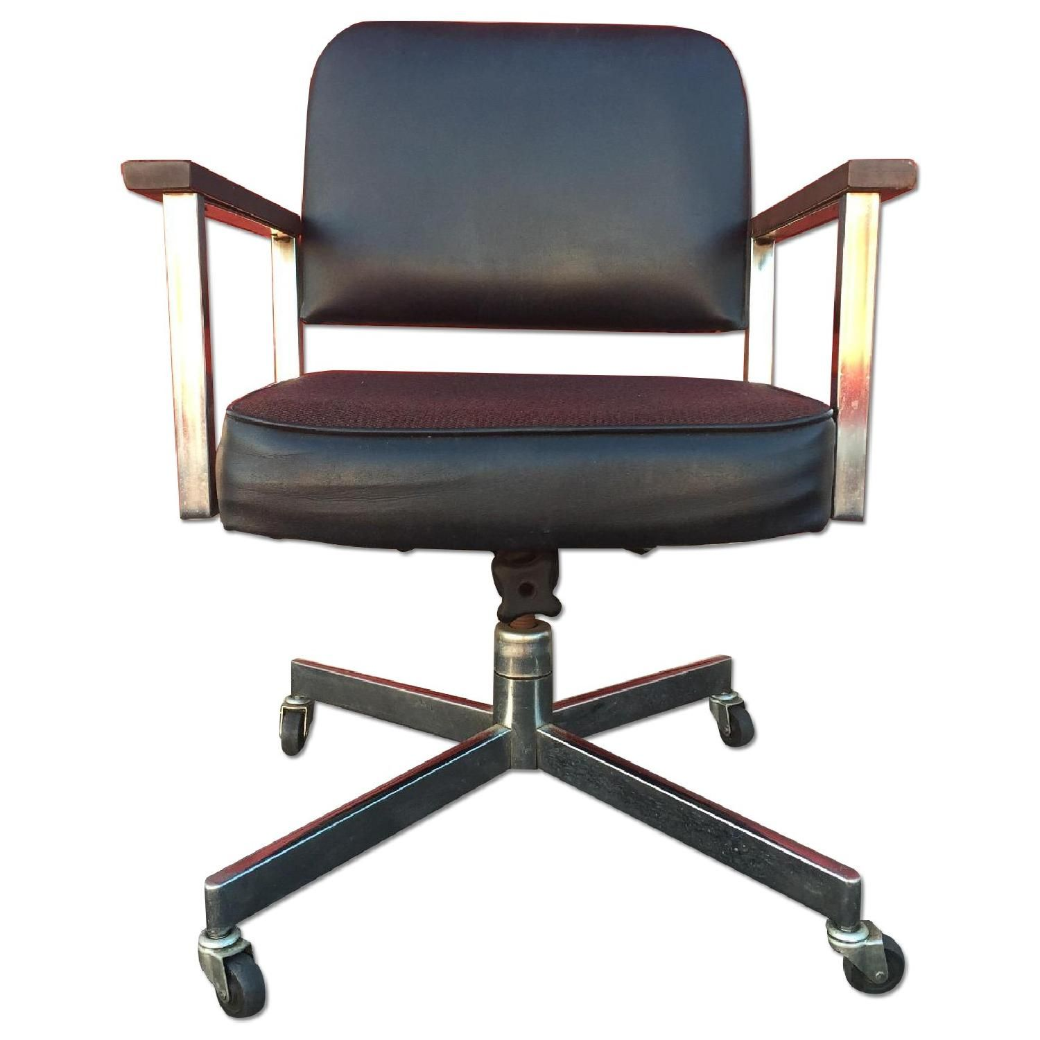 Mid Century Wheeled Office Chair W Wood Arms Aptdeco Chair Used Office Chairs Mid Century Office Chair