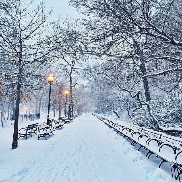 「Snow day. ❄️ @uonewyork : @georgeferrer #snowday #nyc #urbanoutfitters」