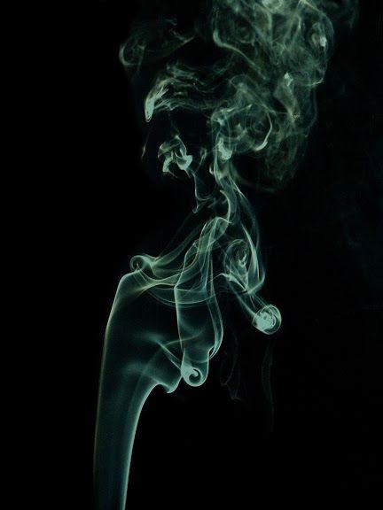 Fotos Gratis Abstracción - Humo de un cigarro | Fondos de humo, Fotos de  humo, Fotografía de humo