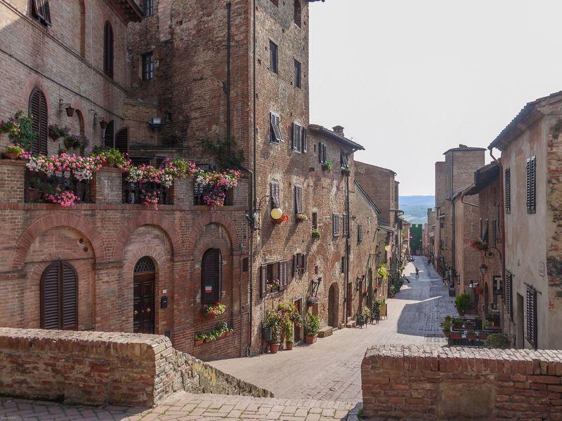 Via Boccaccio Certaldo Alto- 1) CERTALDO ALTO (Valery-Hauman) La