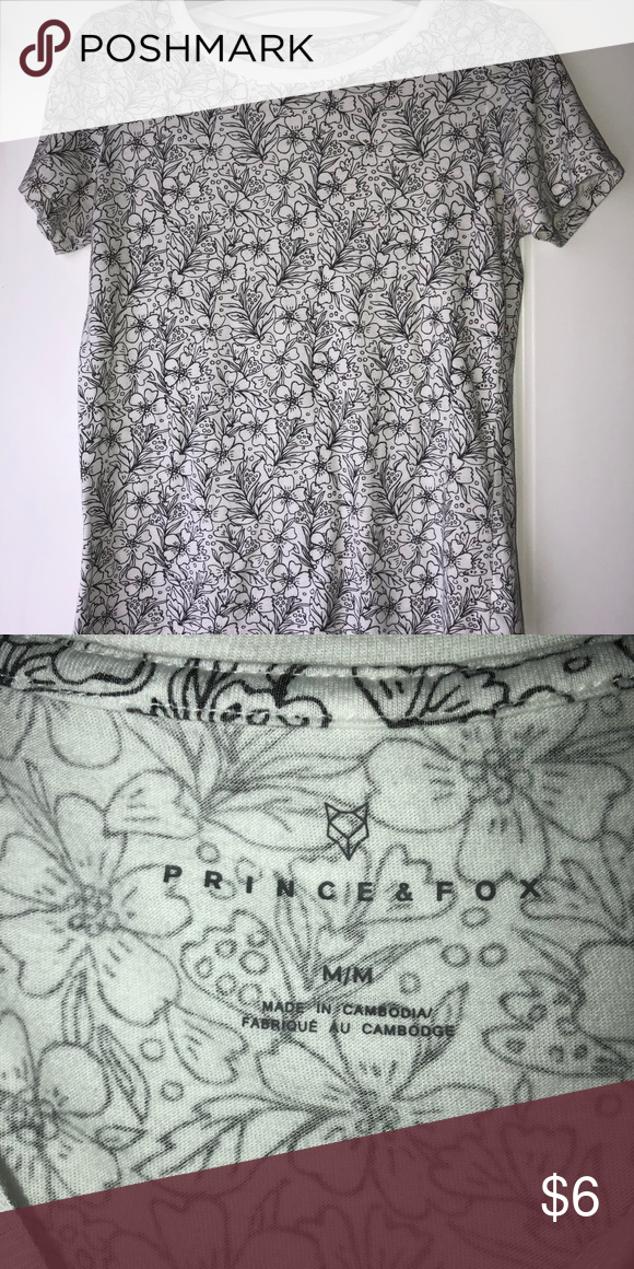 Aeropostale floral tee Has a lot of flowers Prince & Fox