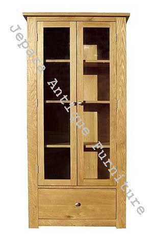 Lemari Minimalis kayu Jati dua pintu dari produsen furniture berkualitas, banyak model lemari minimalis yang bisa anda dapatkan di toko kami, kami siap menerima pesanan lemari minimalis dari anda.