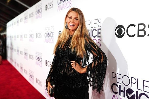 Blake Lively brilha de vestido Elie Saab (Foto: Christopher Polk / Getty Images)