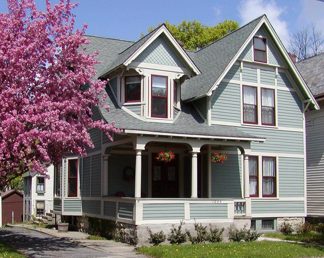 A Guide To Great Combinations Of Paint Colors For Houses Light Blue Houses Exterior Paint Colors For House House Exterior Blue