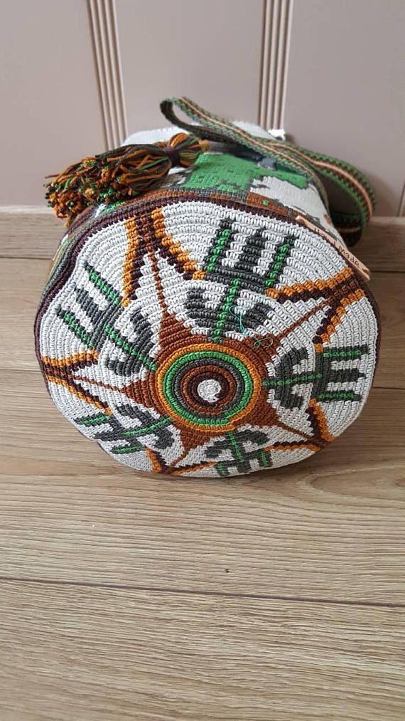 Bolso de Mochila Wayuu | Poufs | Pinterest