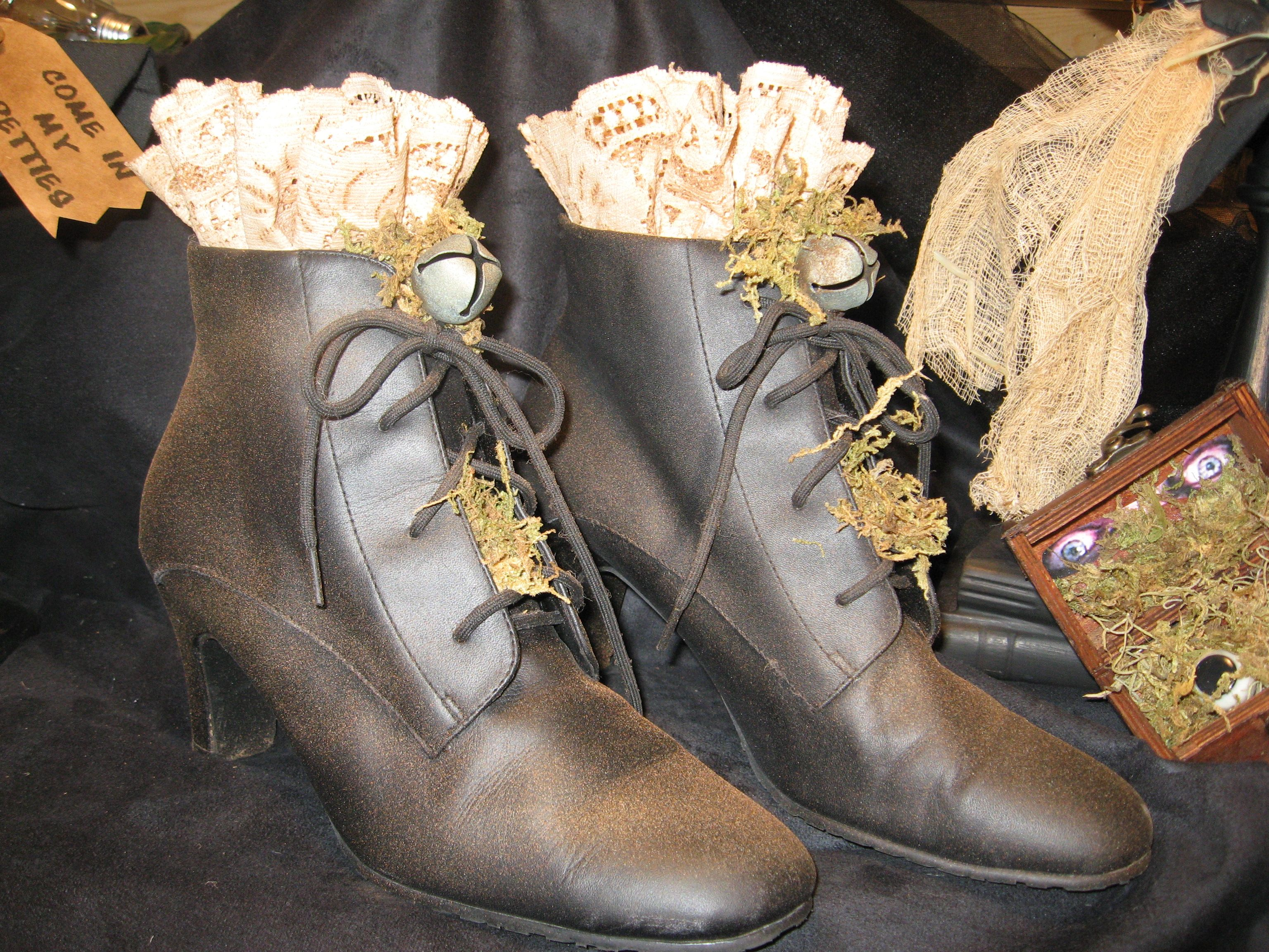 decorated witch shoes great for that prim witch Halloween