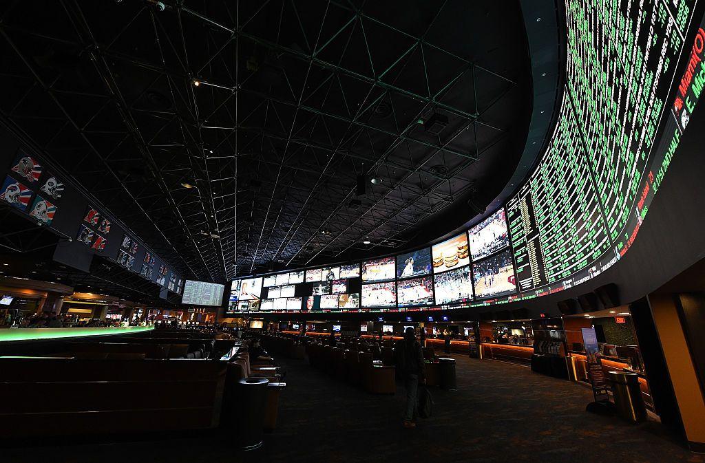 Vegas Sports Books Cheering National Championship Game