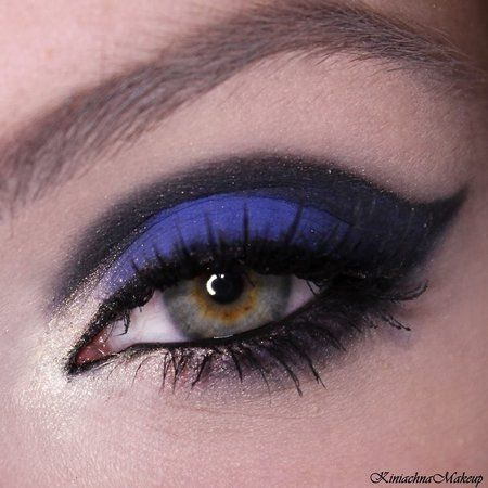 GoldBlueBlack #blue #eyeshadow #eyemakeup  #blackliner - bellashoot