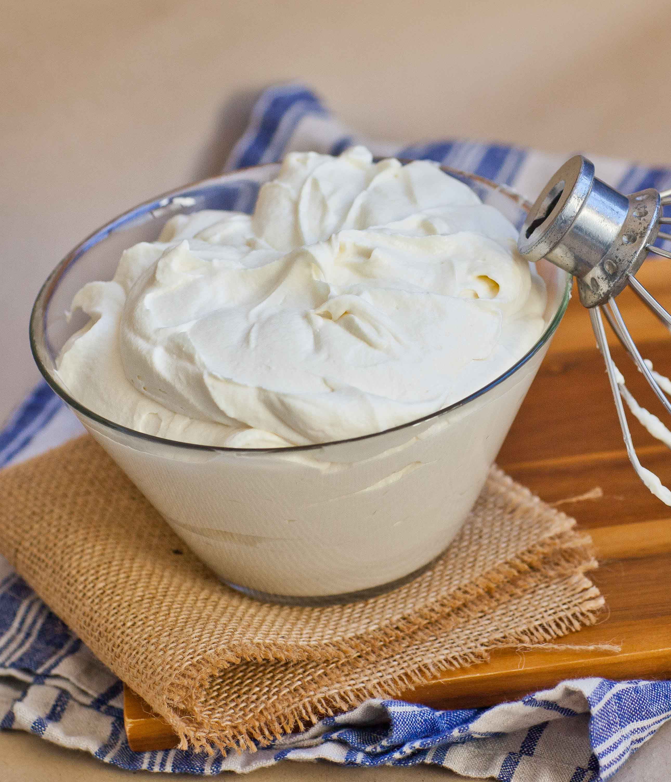 Whipped Cream Frosting Video Recipe Whipped Cream Frosting Cream Frosting Frosting Recipes