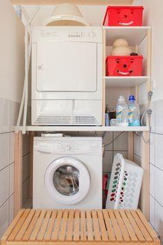 badnische mit waschmaschine und trockner ideen rund ums haus trockner auf waschmaschine. Black Bedroom Furniture Sets. Home Design Ideas