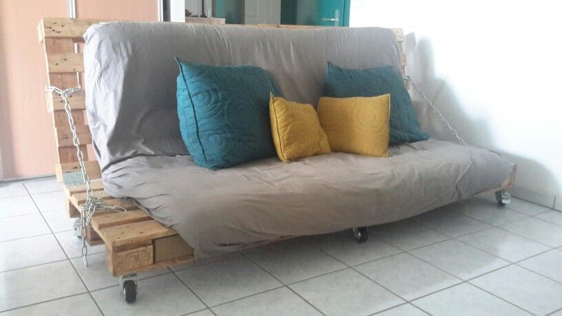 Canape Palette Convertible En Lit 2 Places Fait Main By Emy Li Lit En Palette Deco Chambre Mansardee Canape Palette