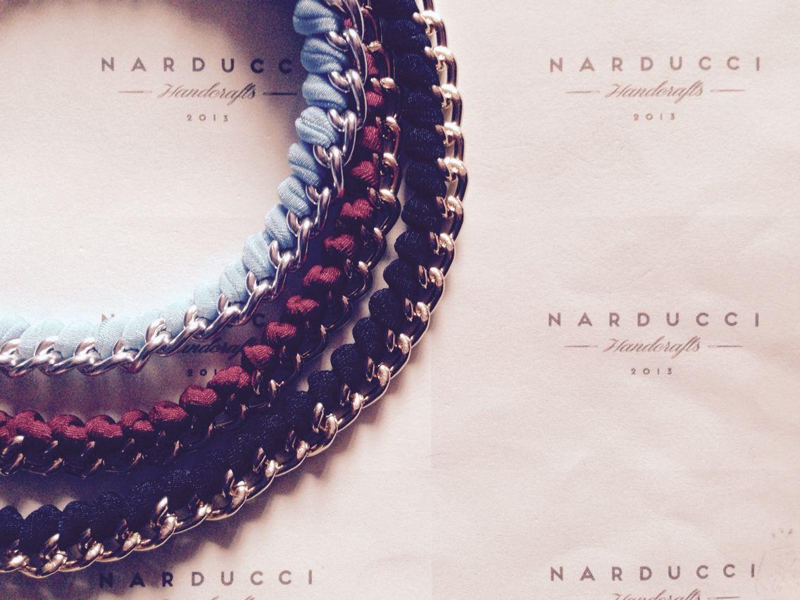 Collane con catena oro o argento con fettuccia elastica, in diversi colori #narduccihandcrafts #instagram #facebook