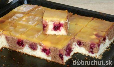 Fotorecept:Dvojfarebný jogurtový koláč s černicami.