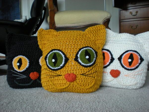 Cat Pillow Cushion pattern by Anne Alster | Animal pillows, Animal ... | 450x600