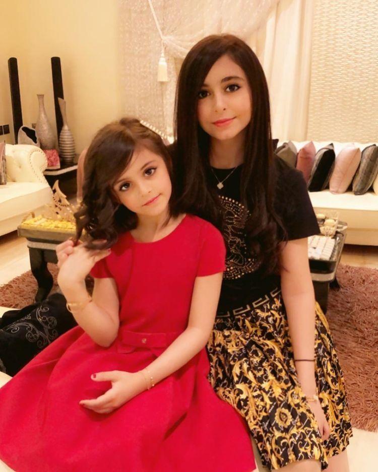 مسااء الخير ادري طولت عليكم بس اشتقت لكم Mommy Daughter Photos Short Sleeve Dresses Beautiful Children