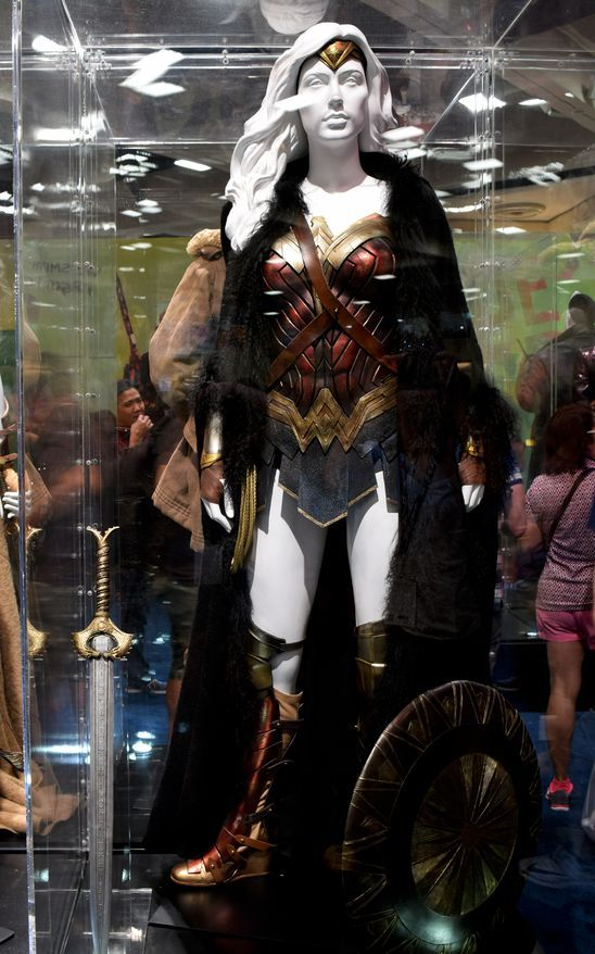 Wonder Woman Movie Costumes On Display At Sdcc 2016 -8958
