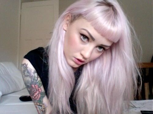 Side Bangs With Pink Highlights Long Bob With Bangs Pink Blonde Hair Hair Color Pastel Pink Ombre Hair