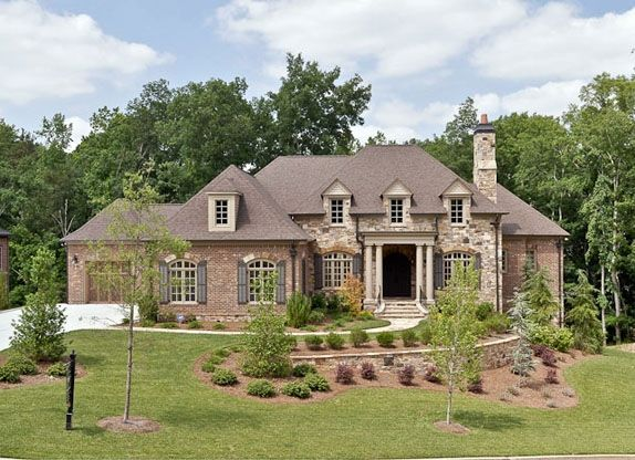 Best 25 brick and stone ideas on pinterest nice houses for Exterior brick home designs
