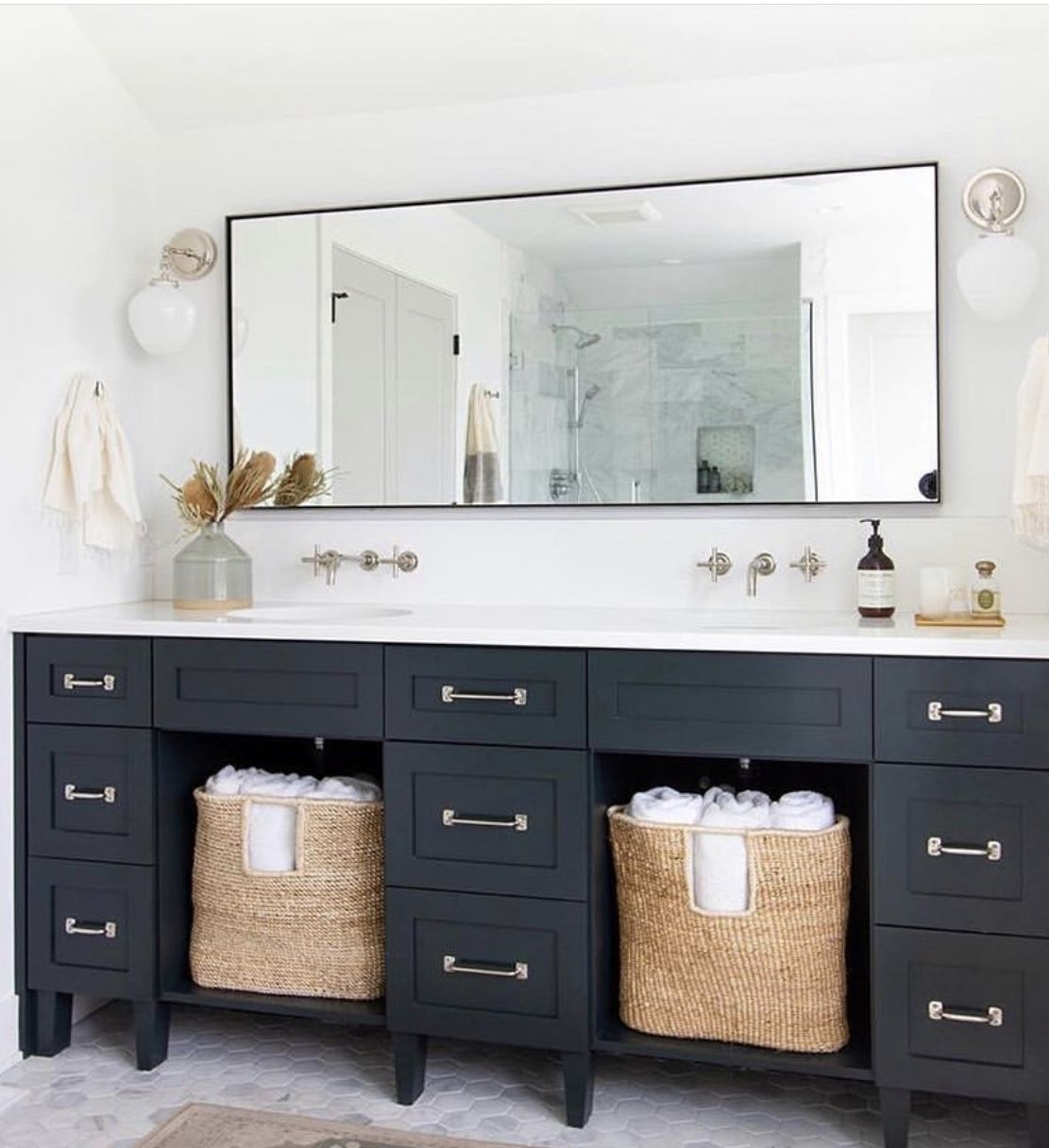 Mirror In 2020 Bathroom Vanity Designs Double Vanity Bathroom Bathroom Interior Design