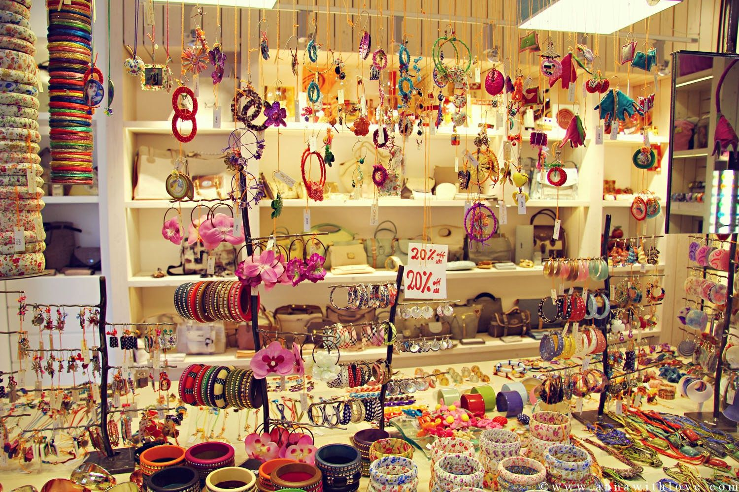 Small gift shop decorating ideas
