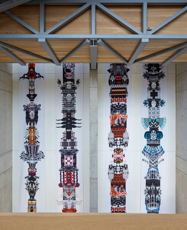 Manchester School of Art, Feilden Clegg Bradley Studios, Ausstellungsobjekte im Galerieraum