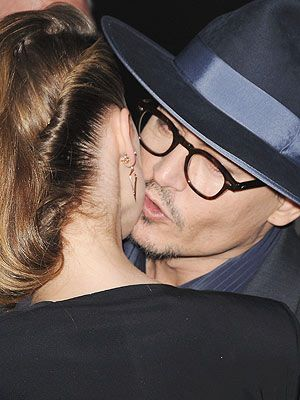 Johnny Depp People | Johnny Depp & Amber Heard Kiss at Her Movie Premiere | Amber Heard ...