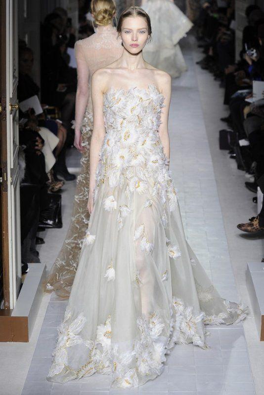 Valentino Bridal Couture Eluxe Magazine Valentino Bridal Valentino Wedding Dress Haute Couture Wedding Dress