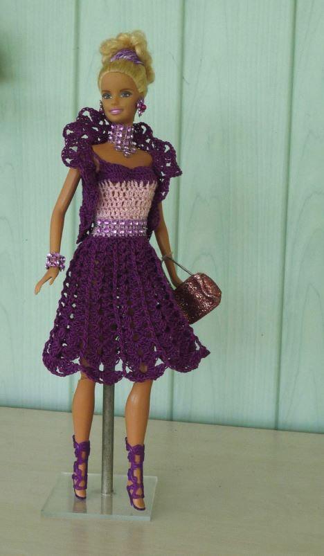 Barbie en modèle Améthyste | Tenues barbie, Robe barbie, Vêtements barbie