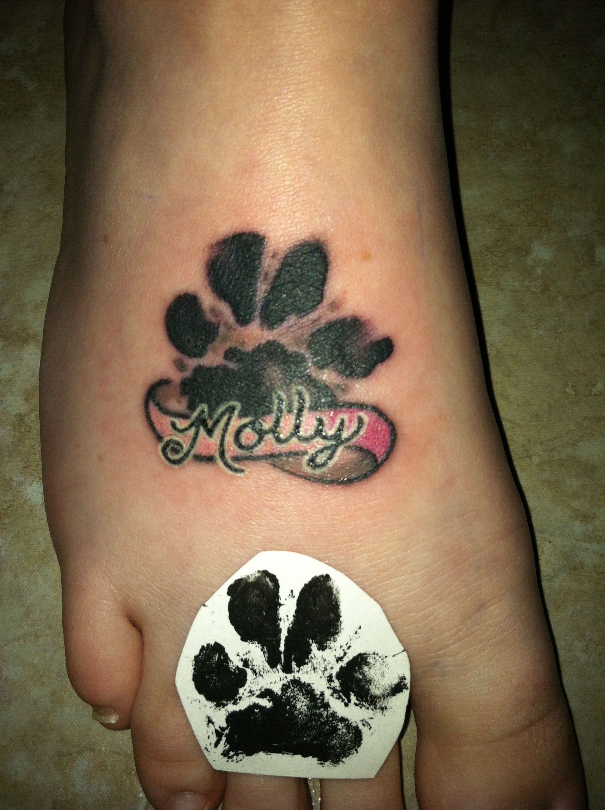 dogs paw print tattoo this would be cute for my morticia tattoo pinterest tattoo ideen. Black Bedroom Furniture Sets. Home Design Ideas