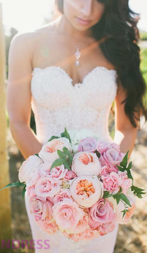 wedding flower and lace wedding dress