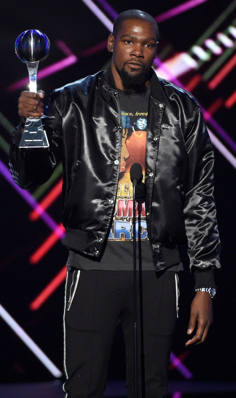 Kevin Durant Golden State Warriors And Aaron Rodgers Honored At 25th Espys Basketball T Shirt Designs Kevin Durant Basketball Players Nba
