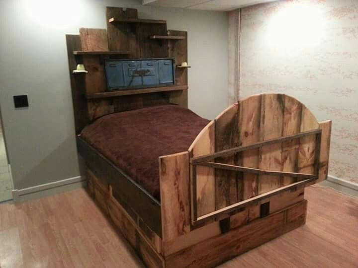 Custom built barn wood bed with jeep Willie\'s tailgate headboard ...