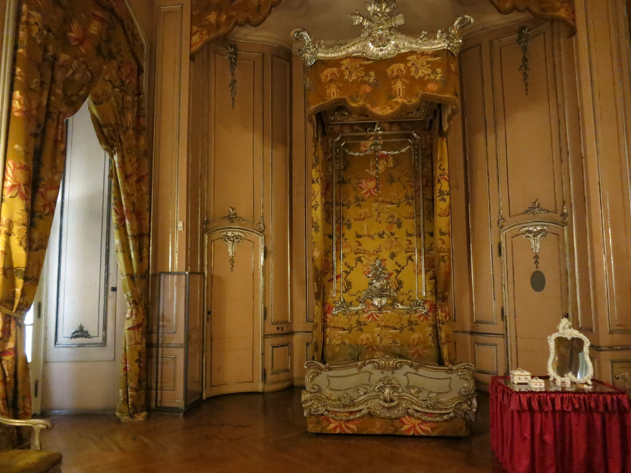 Chippendale Schlafzimmer ~ Neues palais potsdam. an amazing bedroom interiors pinterest