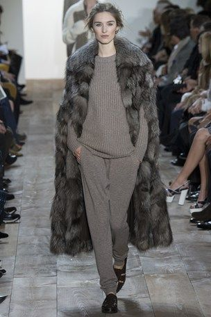 I adore Michael Kors more than any other designer - this fur cape it's just perfect <3