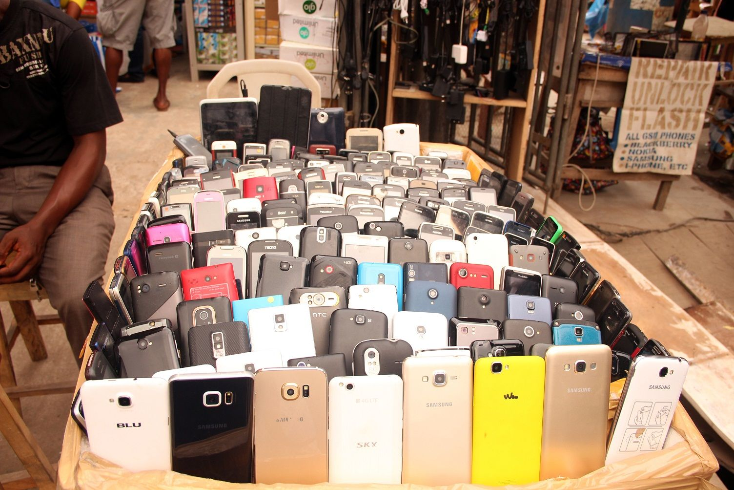 Why stolen phones market is still booming in Nigeria
